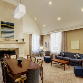 Courtyard Houston Presidential Suite