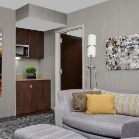 Courtyard New York Suite