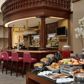 Embassy Suites Waltham Bar