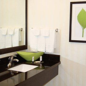 Fairfield Inn Jonesboro Bathroom