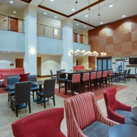 Hampton Inn Garden City Lobby