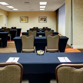 Meetings are made simple and set any way you like. Our meeting friendly Davis-Moore Meeting room is ideal for an interactive meeting or a lecture. Full food and beverage options are providing onsite with a talented staff whose number one concern is your meeting.