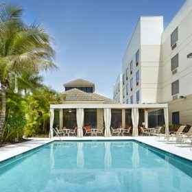 Hilton Garden Inn West Palm Beach Pool