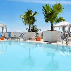 Hilton Miami Beach Pool