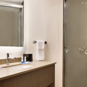 Hyatt-House-Emeryville-San-Francisco-Bay-Area-P017-One-Bedroom-King-Suite-Bath.gallery-2-3-item-panel.jpg