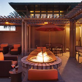 Hyatt-House-Emeryville-San-Francisco-Bay-Area-P031-Outdoor-Grill-and-Fire-Pit.gallery-2-3-item-panel.jpg