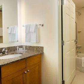 Residence Inn Miramar Bathroom