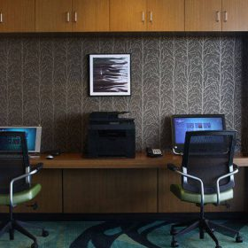 Springhill Suites Greenbay Business Center