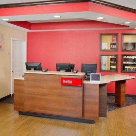 Towneplace Suites Springdale Front Desk