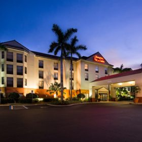 Hampton Inn Ft Meyers Exterior