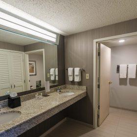 CLEWB_King_2_Bedroom_Bathroom_1_1